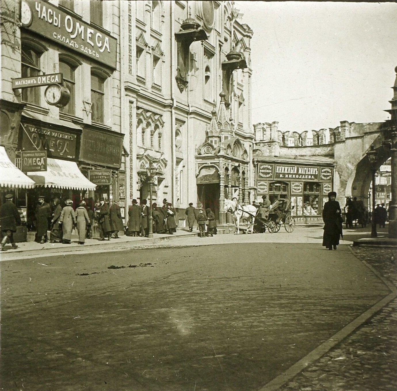 Никольская улица и Владимирские ворота. 1913
