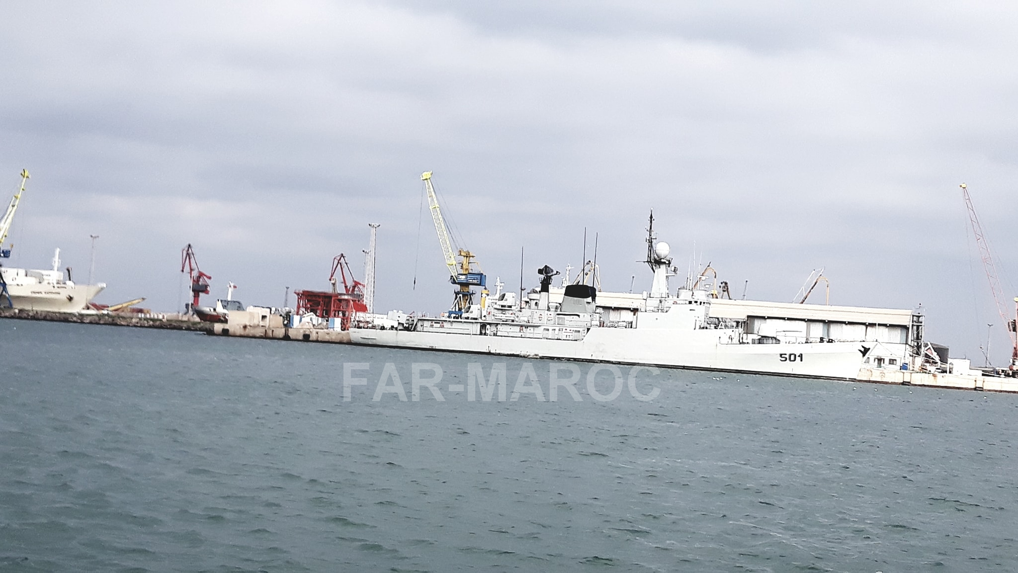 Royal Moroccan Navy Descubierta Frigate / Patrouilleur Océanique Lt Cl Errahmani - Bâtiment École - Page 4 32791095097_eee01e33fd_o