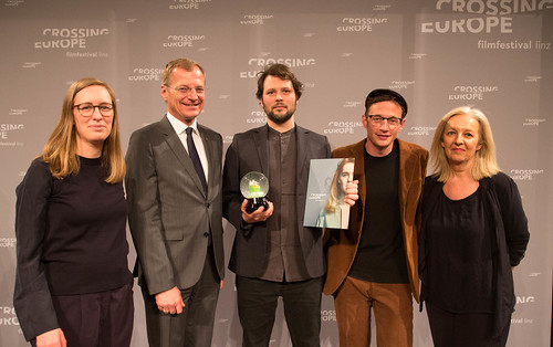 CE19 - Award Ceremony // Jury - Local Artist (Katharina Weinberger-Lootsma, Sebastian Markt), Thomas Stelzer (Governor), Sebastian Brameshuber (award winner - Competition Local Artists), Christine Dollhofer // photo © Christoph Thorwartl / subte