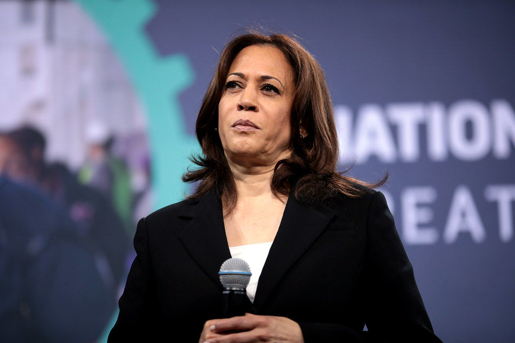 2020 Democratic hopeful Kamala Harris facing tough uphill battle in Iowa – Yahoo News