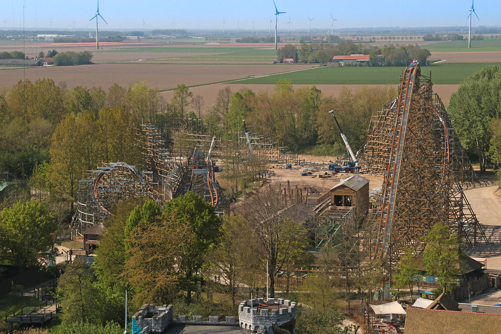 Walibi world holland opening times