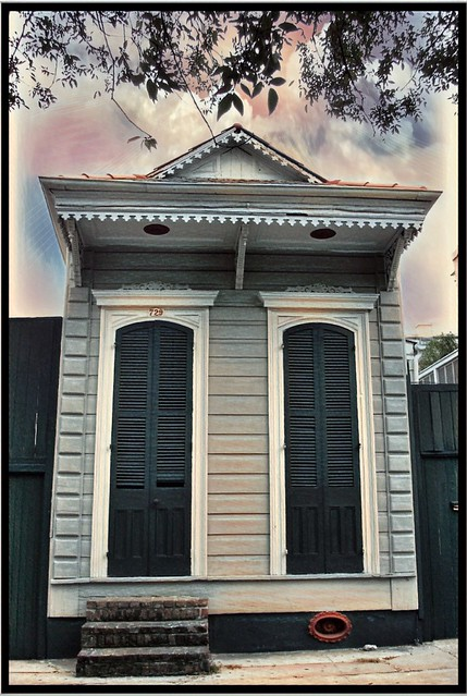 "New Orleans Louisiana - Shotgun House -  ""shogon."" In West Africa, ""shogon"" means ""God's House"