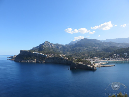 Blick auf Port de Sóller vom Far del Cap Gros