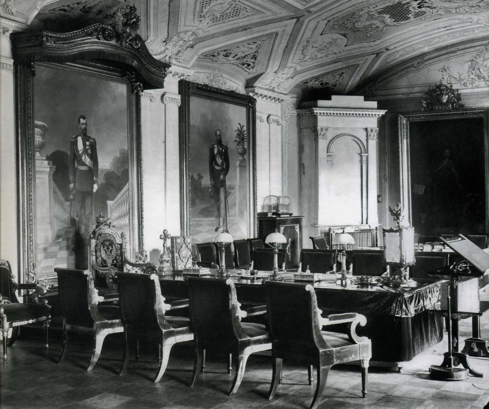 Зал совета Святейшего Синода. 1911
