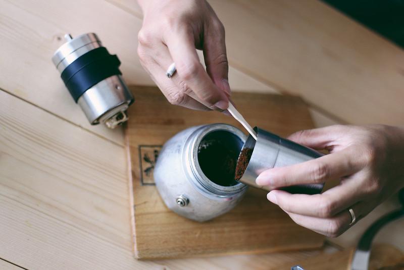 Pha cà phê với Moka Pot (3)