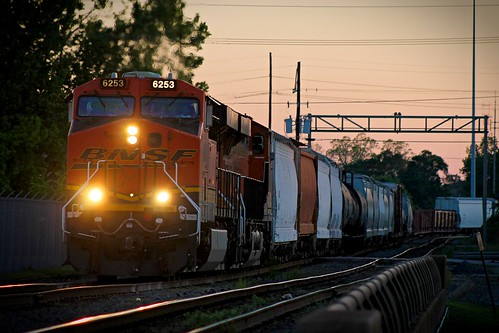 bnsf train railroad es44c4 beaumont texas