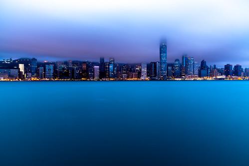 night water city 攝影發燒友 longexposure sea lights morning skyscraper cloud hongkong sky bluehour buildings skyline harbour weather kowloon