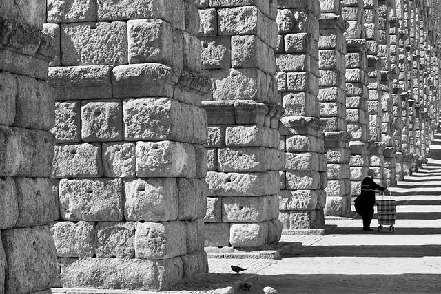 Aqueduc et pigeons de Segovia