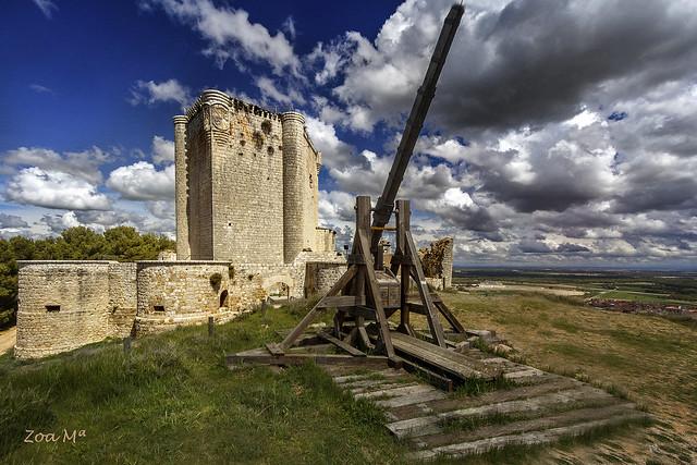 El castillo y la catapulta