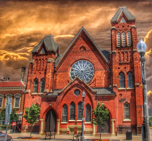 brantford on ontario ont canada park baptist church sunset brantcounty heritage building 1881 belltower sky clouds light fixture walking tour style architecture romanesque onasill historic downtown stain glass rose red brick