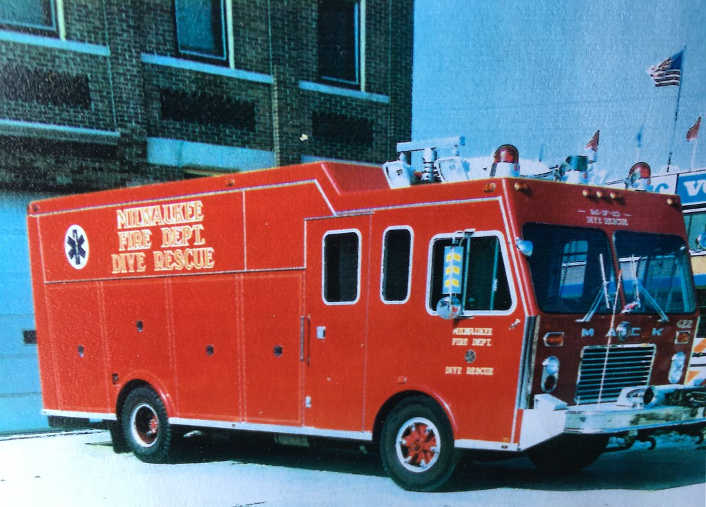 Milwaukee Fire Department Special Ops. #422.