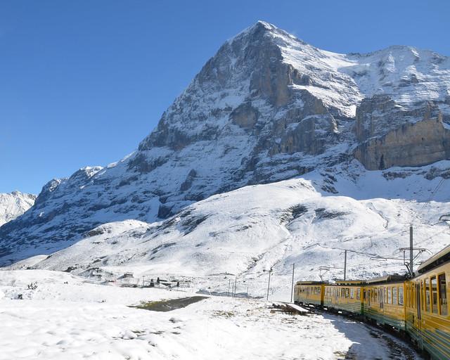 Paisajes invernales que se atraviesan al subir al Jungfraujoch