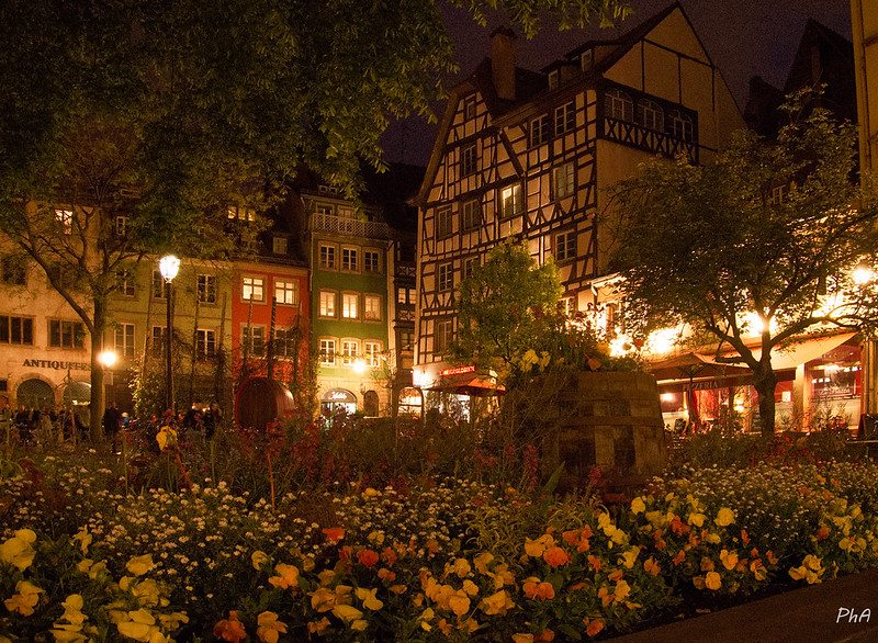 Strasbourg by night 32861776447_3a7bcea10a_c