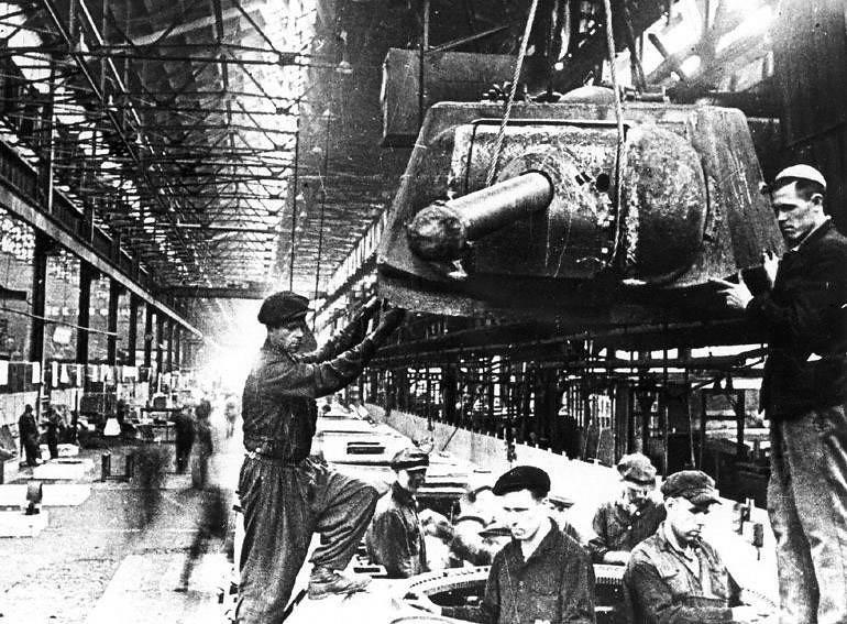 Как воевали заводы. Челябинский «танкоград»