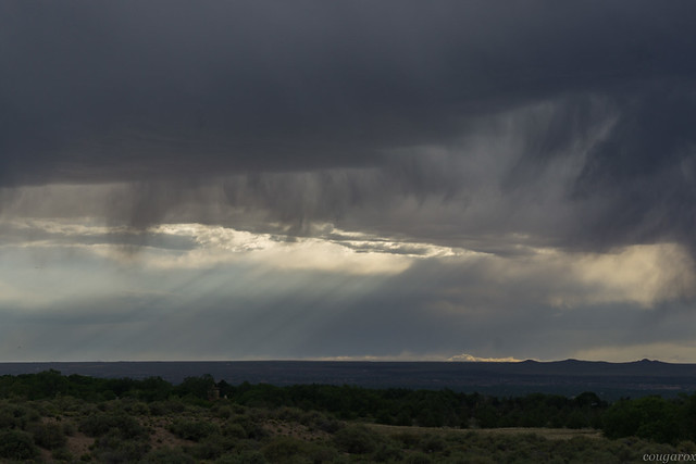 Sunbeams and virga 3