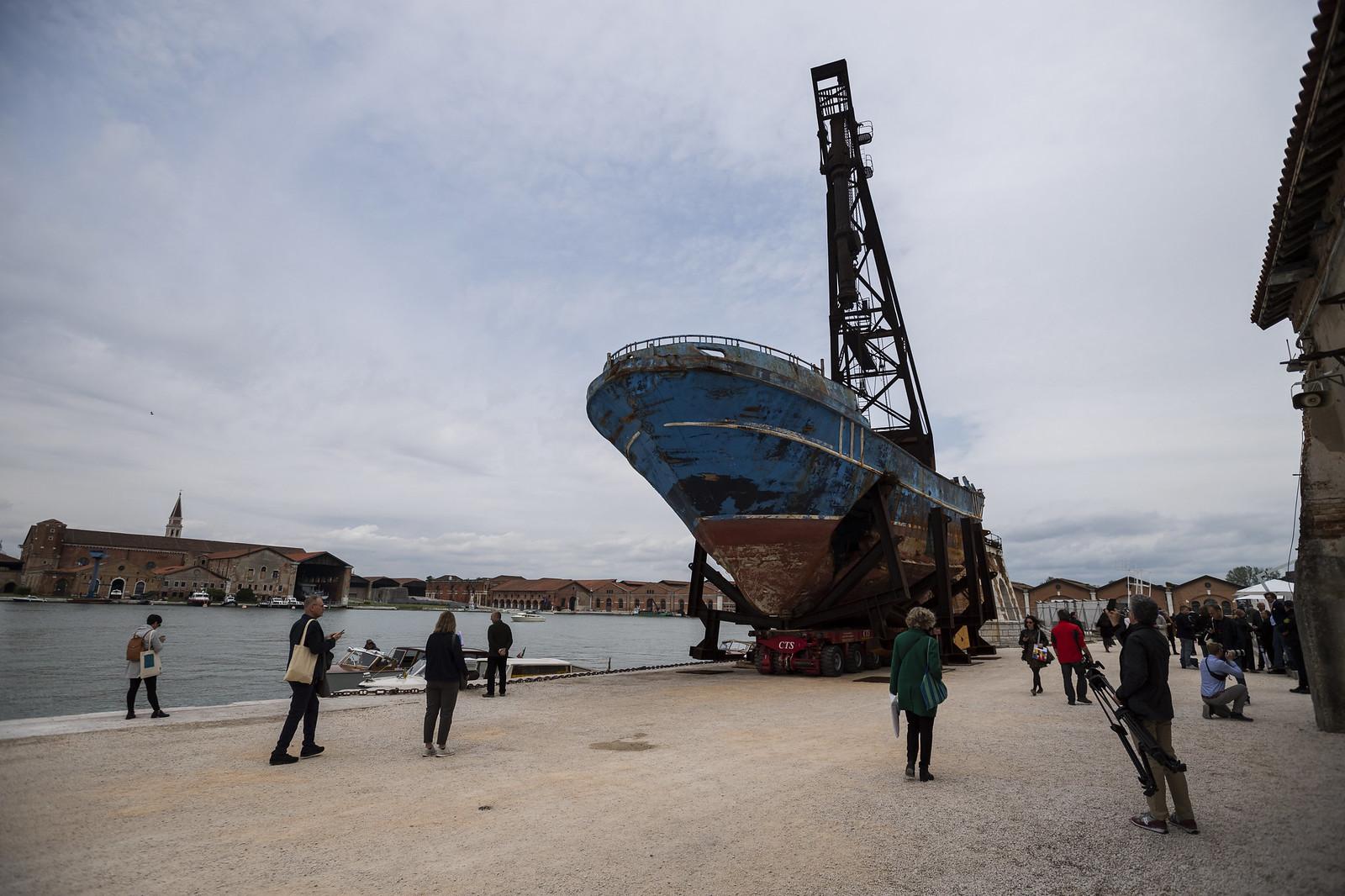 Egy hatalmas rozsdás hajó is lehet művészet