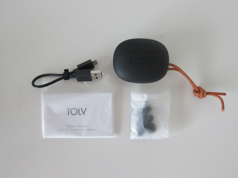 Sudio Tolv - Box Contents