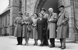 Gjester fra vennskapsbyen Split besøker Nidarosdomen (1957)