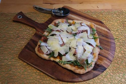 Pizza Parma (frisch aus dem Pizzaofen)