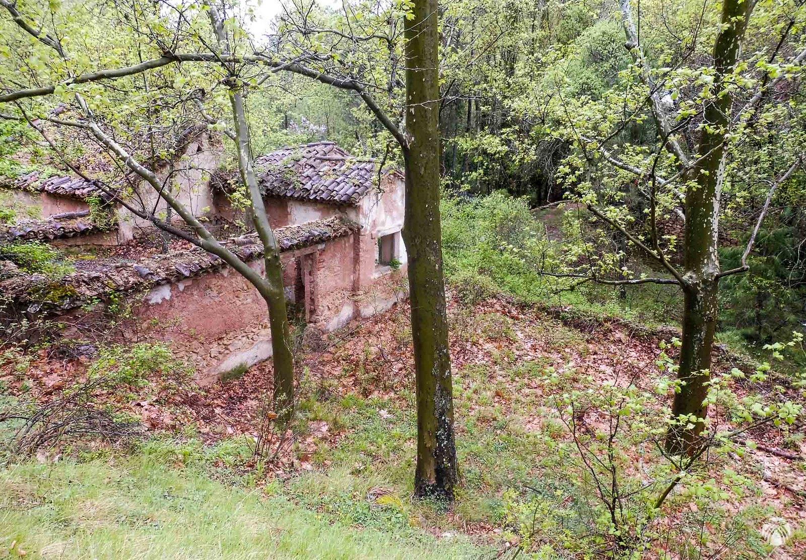 Posiblemente un antiguo molino en la cuenca incipiente del río Mundo