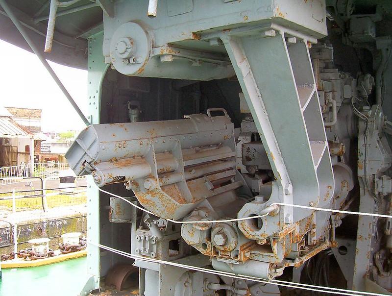 HMS Cavalier 00002