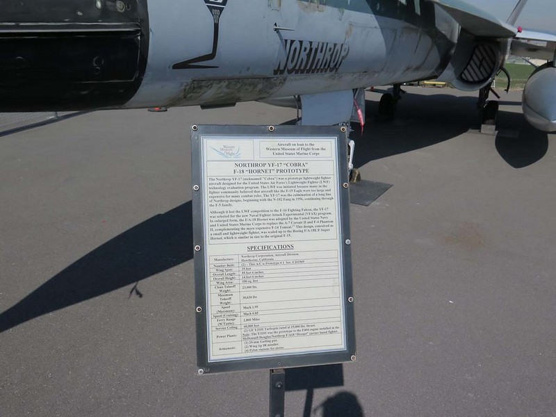 Northrop YF-17 Cobra 00002