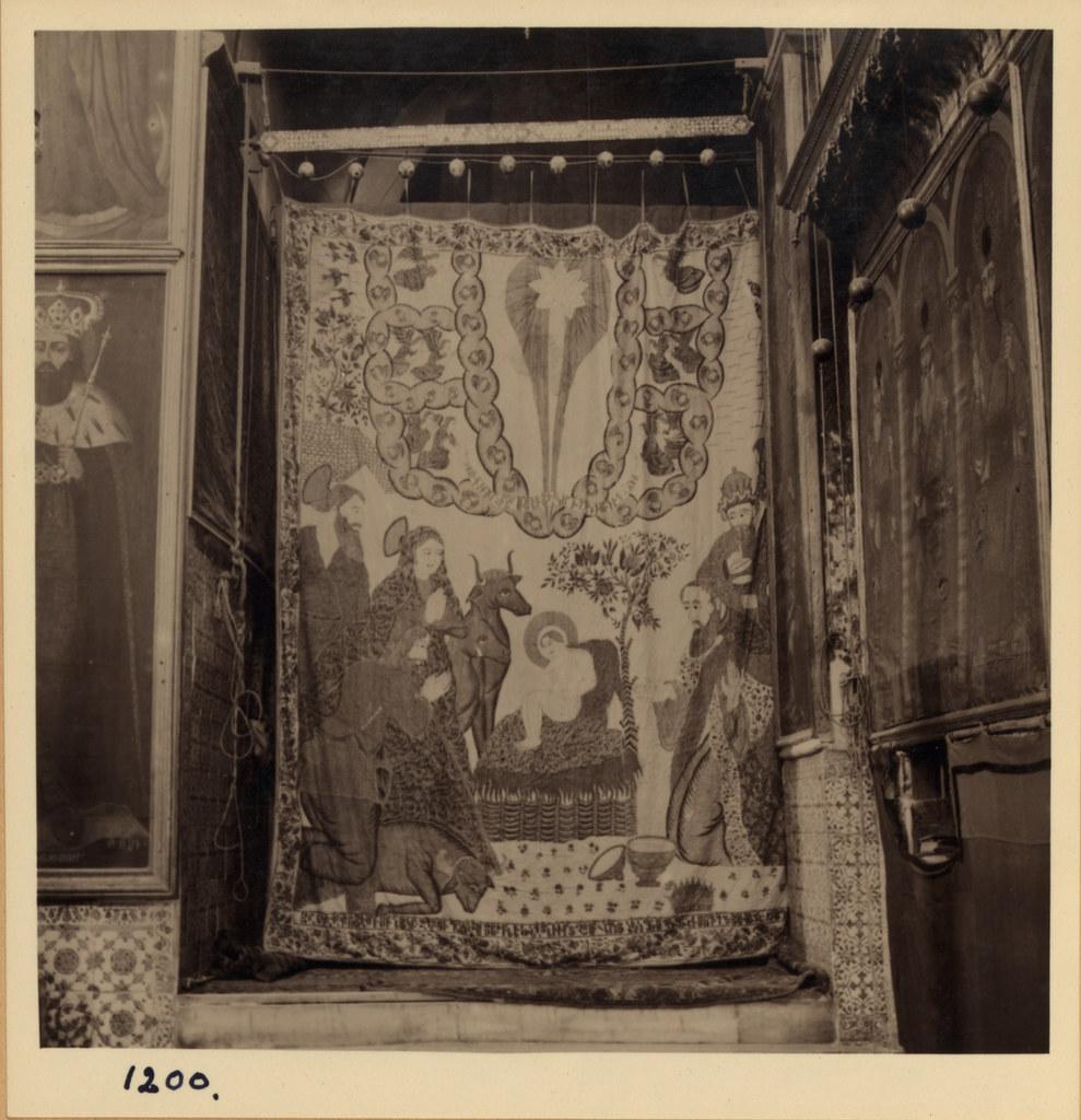 12. Армянский кафедральный собор. Индийский расписной занавес, 17 век. 2 маленьких апсиды. Март