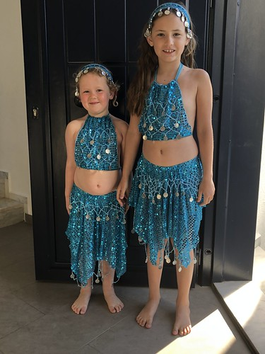 Belly dancing beauties