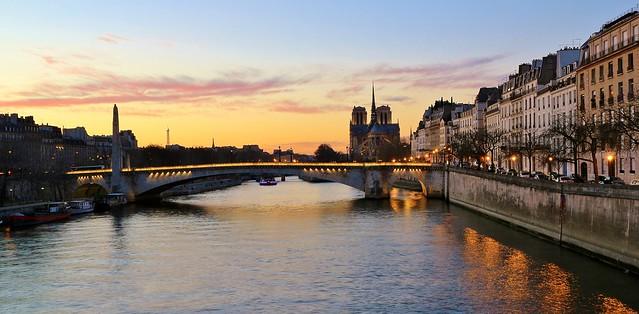 Cathédrale Notre-Dame & pont de la Tournelle