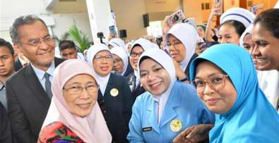Dr Wan Azizah pays tribute to nurses