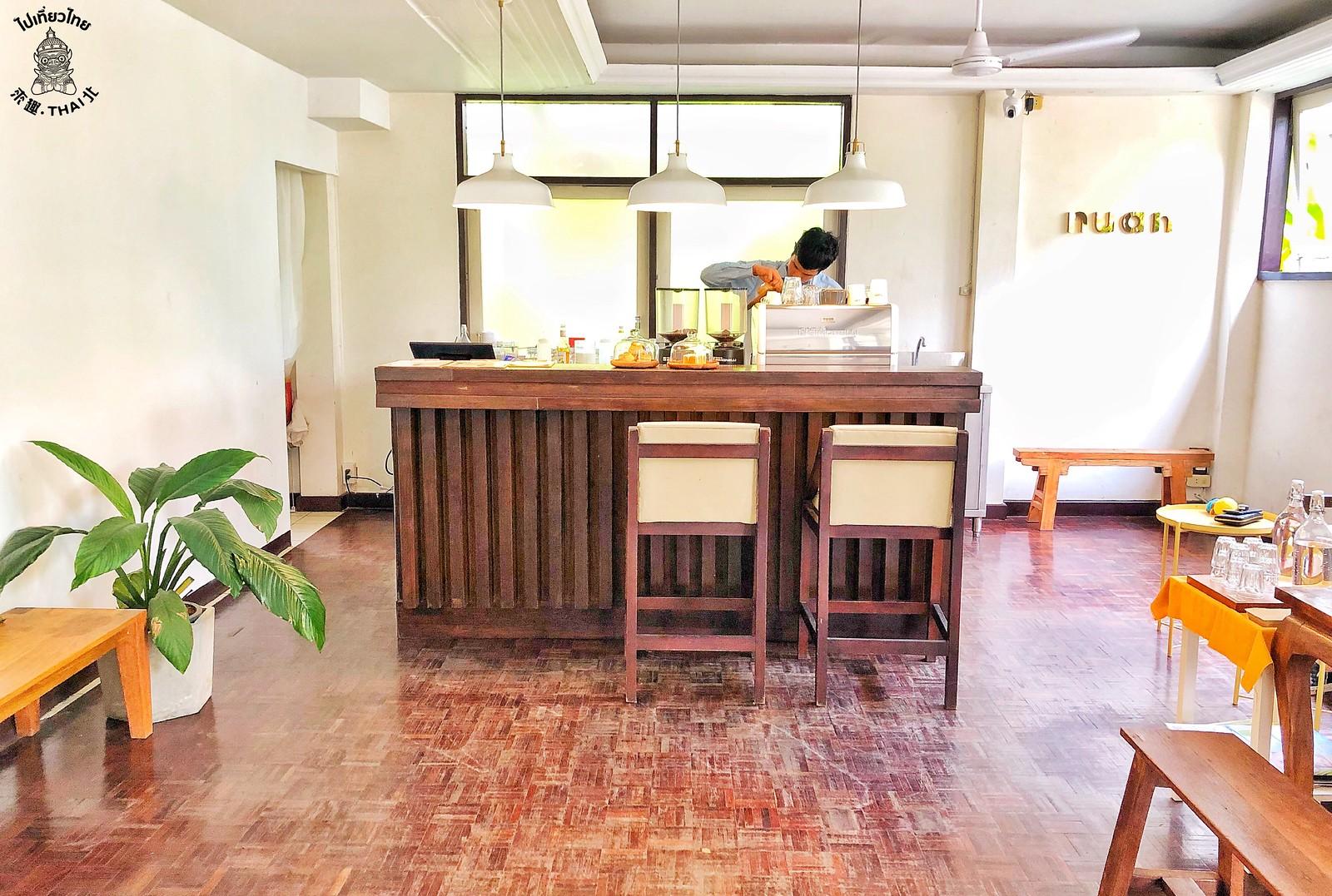《Nuan cafe & bistro》清邁古城內五十年老屋變身咖啡廳