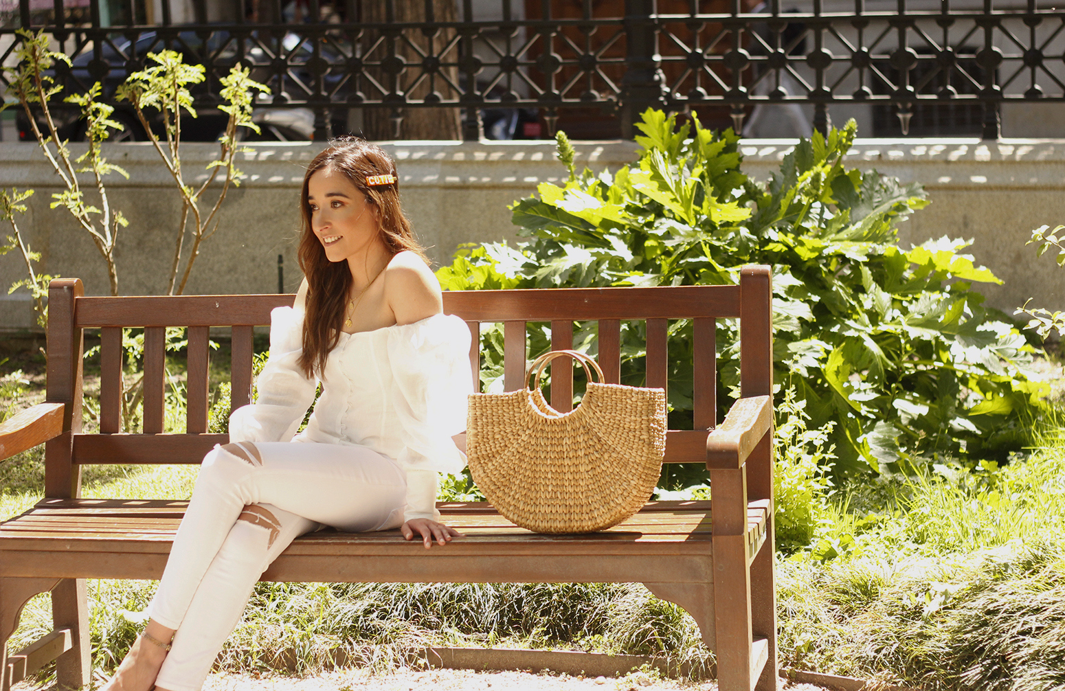 White Linen Top jeansstraw bag street style outfit 201912
