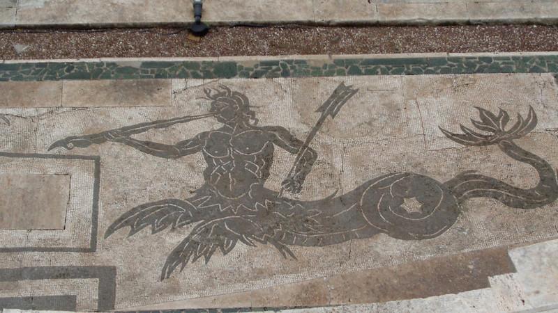 052-античная мозаика во втором дворе