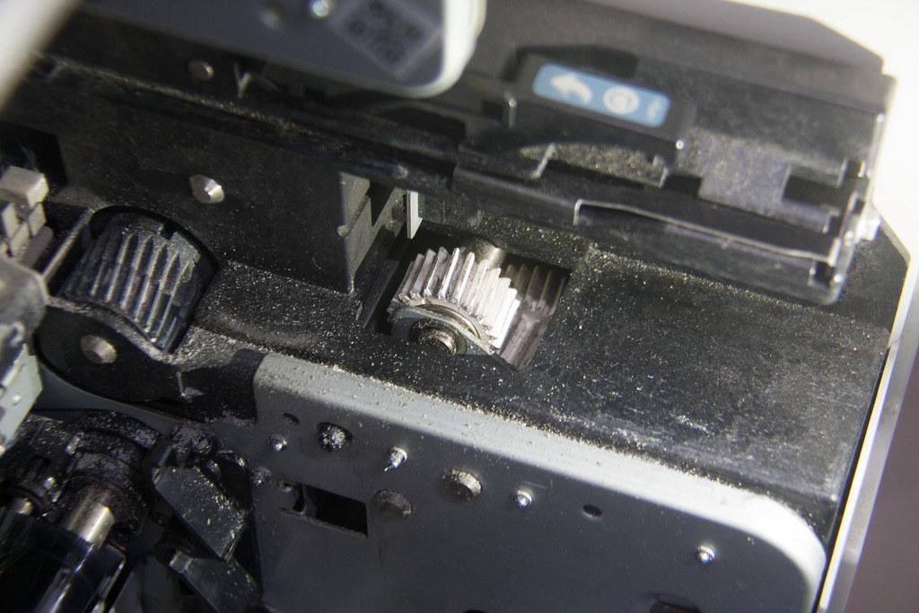 碳粉散逸在雷射印表機的出風口。圖:吳宜靜 攝