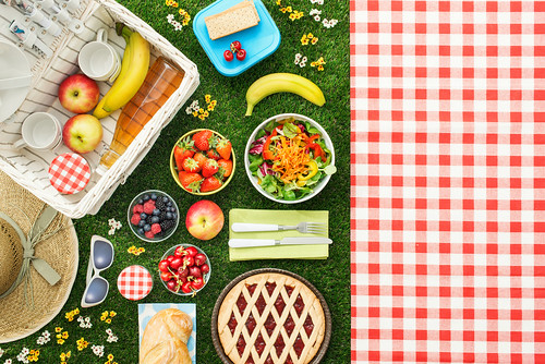 picnic_shutterstock_1055742191