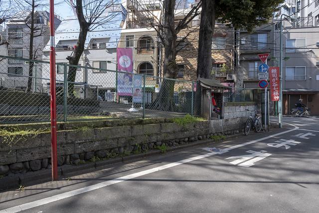 Tokyo.豊島区雑司が谷 鬼子母神西参道口