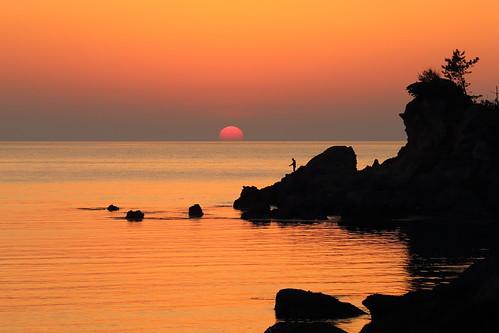 water sky beach coast seashore shore kyoto tango yuhigaura landscape nature ocean japan japon sunset sea 京都 京丹後 網野 amino トワイライト 日没 夕方 日本 砂浜 ビーチ 丹後半島 rock sun 夕日ヶ浦海岸 太陽 夕日 夕陽 日本海
