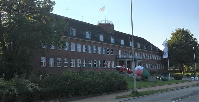 1936 Kiel Marine-Artillerie-Inspektion mit originalem Reichsadler am Dachreiter von Wilhelm Rambacher (Marinebauamt) Hindenburgufer/Kiellinie 247 in 24106 Wik