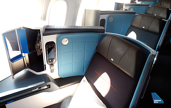 KLM B787-9 World Business Class (RD)