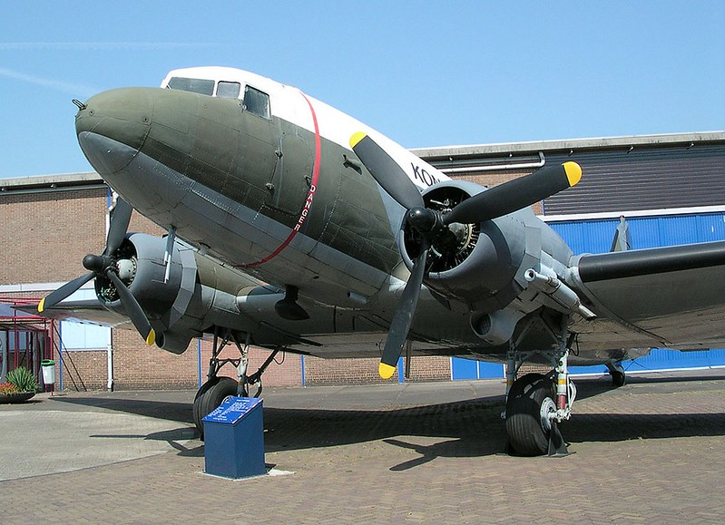 Douglas C-47 Skytrain-Dakota 00004