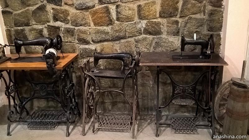 Янтарный замок, Янтарный, Калининградская область, швейные машинки