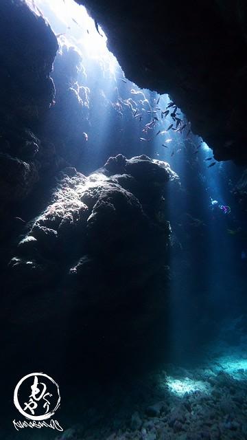 洞窟の光がめちゃキレイでした♪