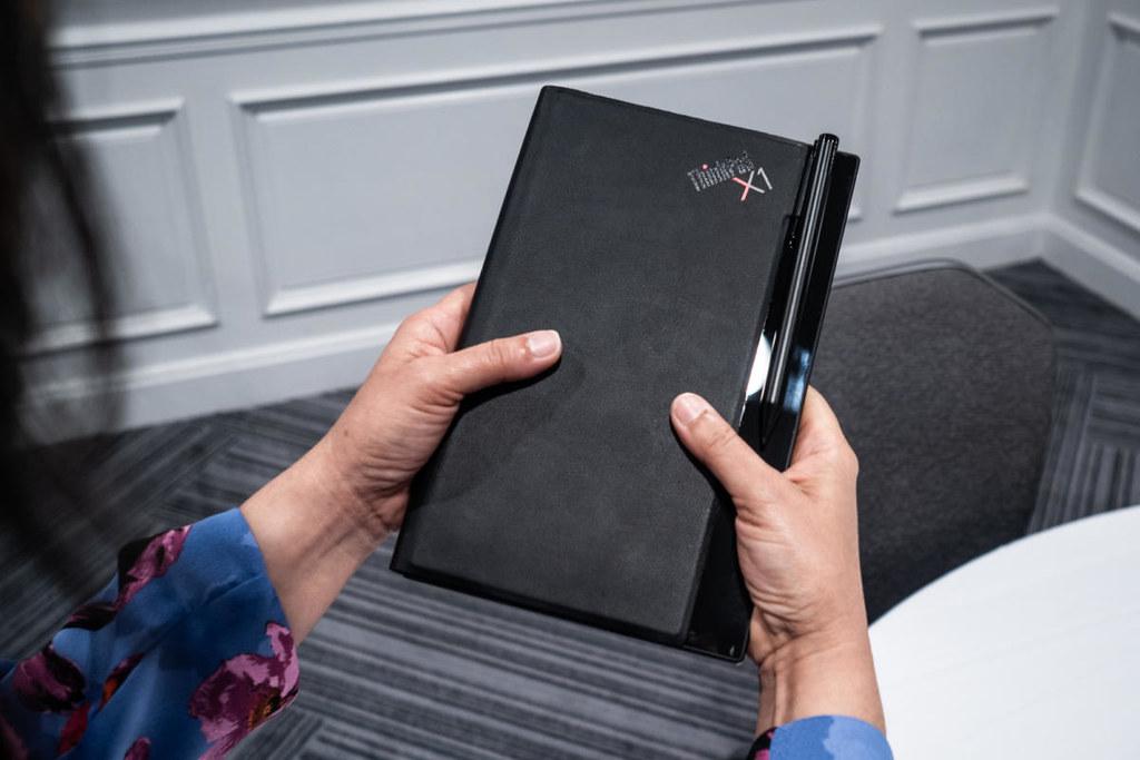 شركة Lenovo تعرض أول كمبيوتر 32917835747_b1178181