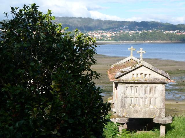 Hórreo en Combarro (Rías Baixas, Galicia)