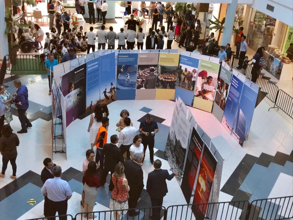 Aberta a exposição internacional sobre cultura da paz, da SGI em Santarém, Exposição SGI em Santarém
