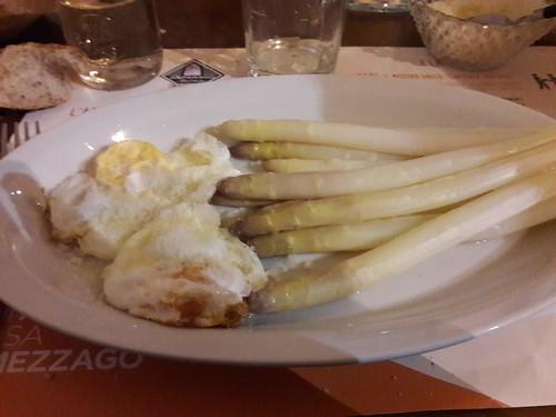 Mezzago - Asparagi e uova