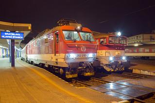 ŽSSK 350 016 + 757 019 Bratislava hlavná stanica