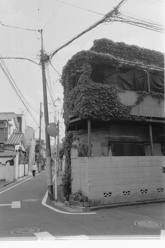 241LeicaM2 Summaron 35mm f35 Kodak 400TX 池袋本町
