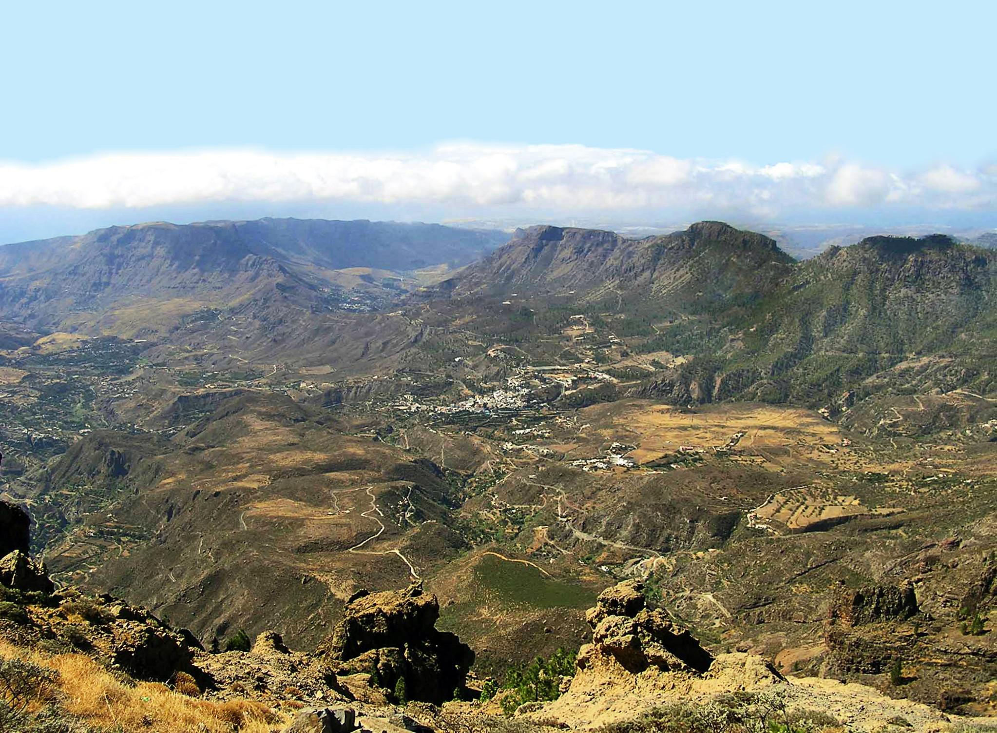 Vista Panorámica de San Bartolomé de Tirajana barrancos y montañas Tunte Gran Canaria