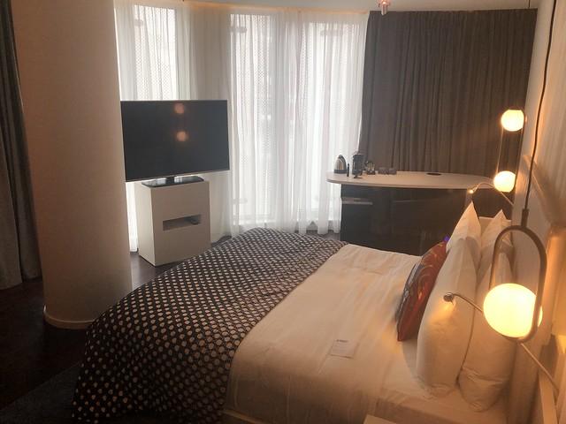 Corner Room - W London